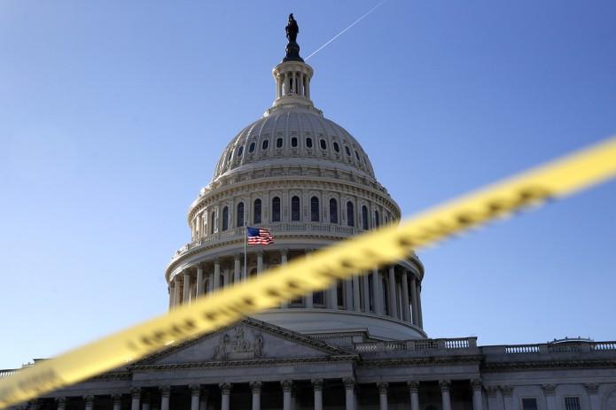 Правительство США может возобновить работу не раньше января - Белый дом