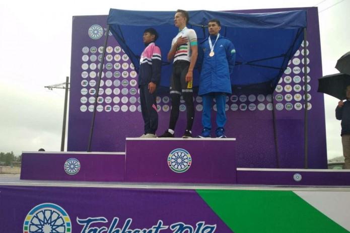 Бехзодбек Рахимбоев завоевал бронзовую медаль ЧА по велоспорту