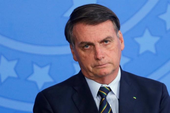 Президента Бразилии не пустили в ресторан из-за отсутствия прививки