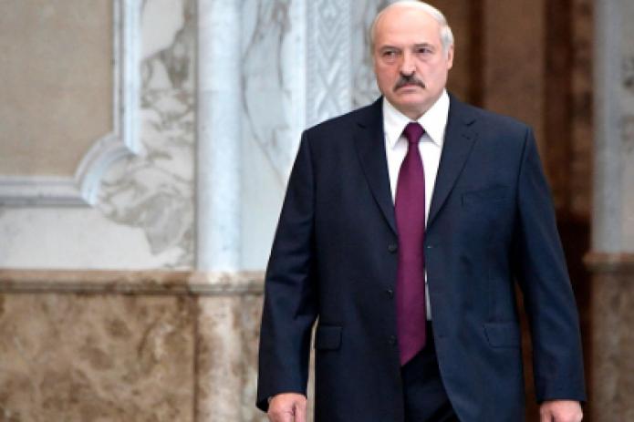 Мы (чиновники) – ваше отражение. Если мы плохи, то вам надо меняться - Президент Беларуси обратился к народу
