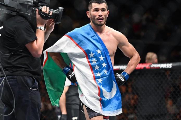 Бой узбекистанца Махмуда Мурадова на турнире UFC отменен
