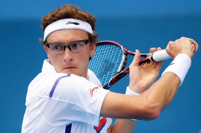 Денис Истомин сегодня выйдет на корт против Роджера Федерера