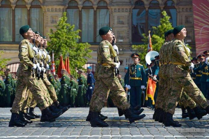 Президент Узбекистана принял участие в торжественном мероприятии по случаю 75-летия Великой Победы
