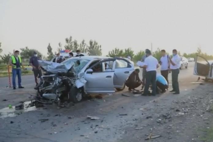 В Ферганской области шесть человек из двух семей погибли в ДТП