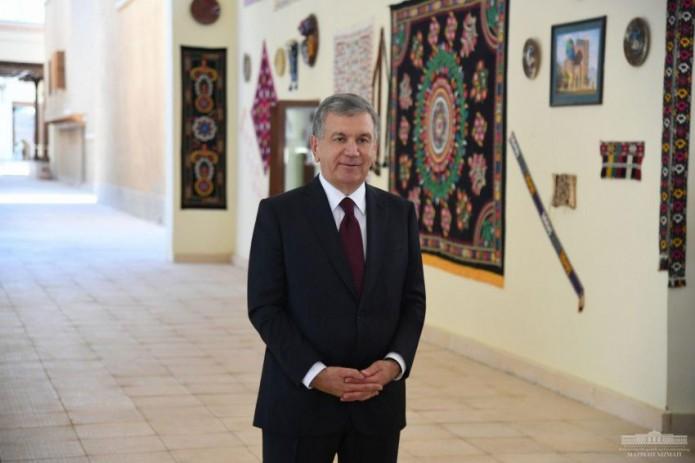 "Президент Шавкат Мирзиёев посетил парк ""Навруз"" в Ташкенте"