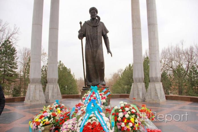 В Узбекистане отмечается 578-летие со дня рождения Алишера Навои