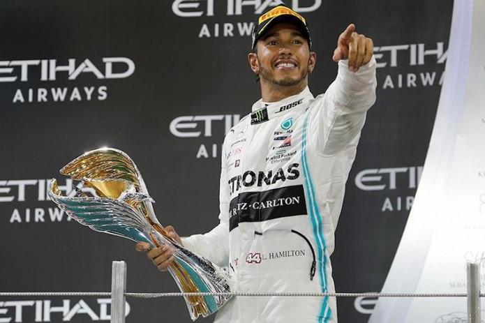 В шаге от Шумахера: Хэмилтон стал шестикратным чемпионом мира