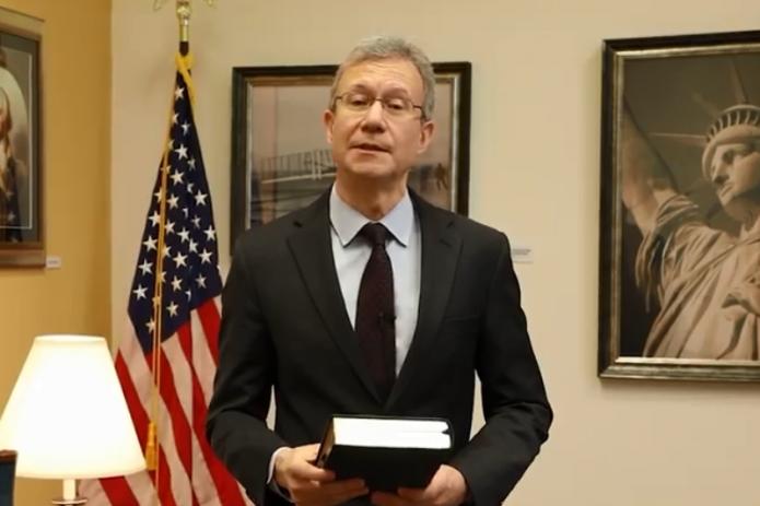 Посол США поздравил узбекистанцев с днем рождения Навои на узбекском языке