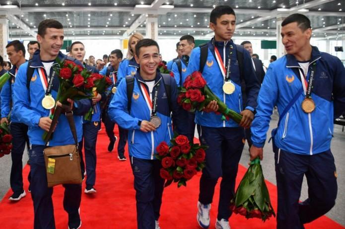 Фоторепортаж: Наши чемпионы вернулись с Азиатских игр
