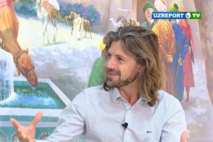 """Интервью с руководителем музыкальной группы """"Ламекан"""" Тристаном Дриссенсом"""