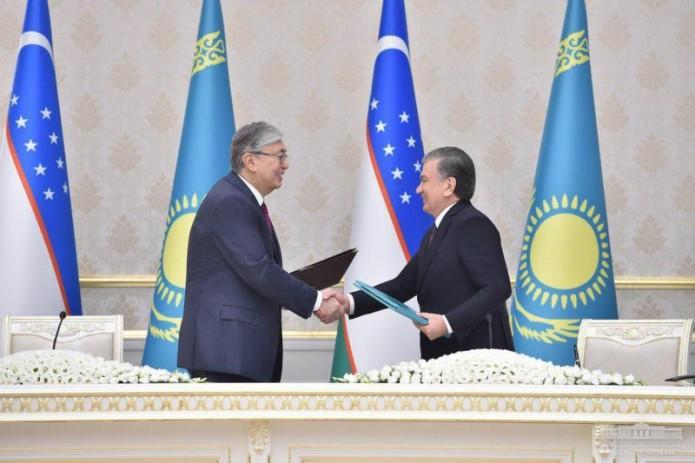 Узбекистан и Казахстан подписали ряд документов
