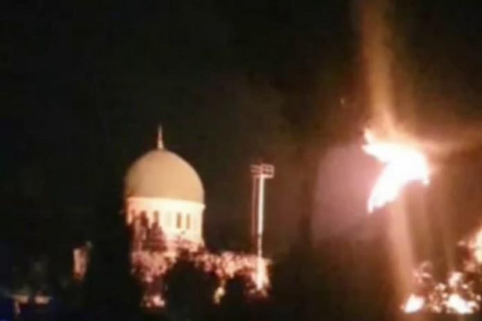 В Ташкенте загорелась электрическая подстанция возле мечети. Инцидент обошелся без жертв
