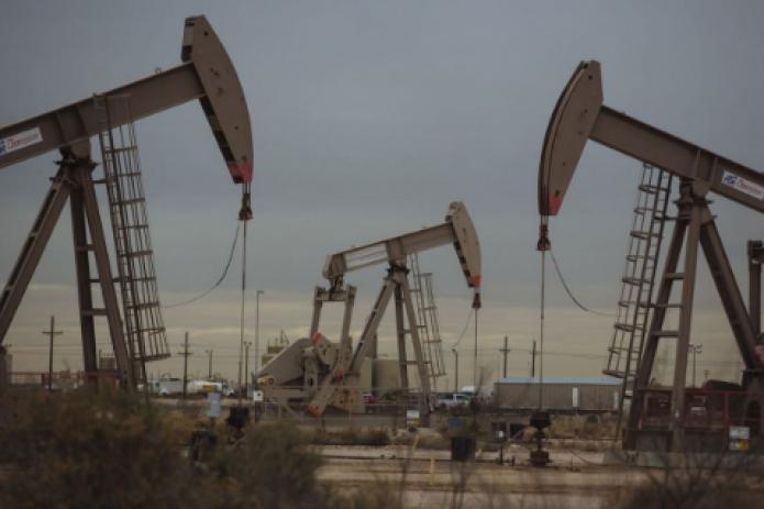 Цены на нефть резко снизились после отказа Китая устанавливать ориентир ВВП