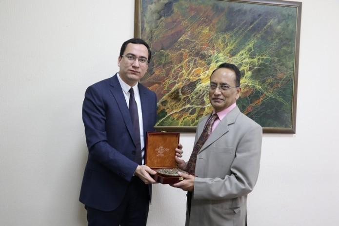 Мининфоком привлек индийского эксперта для создания технопарка в Ташкенте
