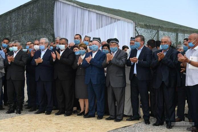 Президент Шавкат Мирзиёев прибыл в Сырдарьинскую область