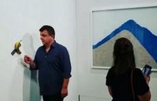 Американский художник съел арт-объект стоимостью $150 тысяч