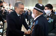 Шавкат Мирзиёев поздравил всех ветеранов, весь народ с Днем памяти и почестей