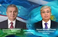 Шавкат Мирзиёев по телефону поздравил Президента Казахстана с днем рождения