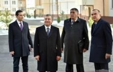 Президент ознакомился со строительством домов в Сергели