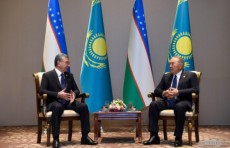 Шавкат Мирзиёев встретился с Нурсултаном Назарбаевым в городе Баку
