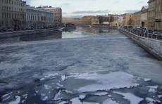 В Петербурге узбекистанец столкнул женщину в реку и утонул, спасая ее