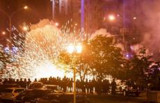 Задержания, разгон протестующих и проблемы с интернетом : что происходило в Беларуси?