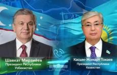 Шавкат Мирзиёев поздравил Касым-Жомарта Токаева с вступлением в должность Президента Казахстана