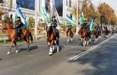 В Ташкенте прошли веломарафон и конный парад в честь 28-летия государственного флага