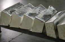 В апреле на товарно-сырьевой бирже реализовано 220 кг серебра