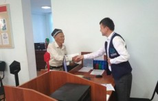 Никогда не поздно: 80-летний узбекистанец подал документы в вузы