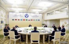 В Ашхабаде состоялась встреча глав государств СНГ в узком формате
