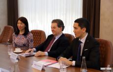 Министр финансов Джамшид Кучкаров встретился с Артуром Лаффером