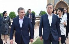 Шавкат Мирзиёев и Мун Чжэ Ин посетили исторические памятники Самарканда