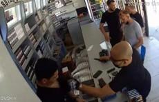 В Ташкенте рецидивисты напали на продавца магазина с ножом и украли 4 млн. сумов