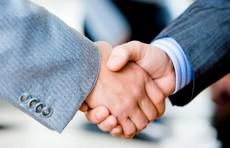 Узнацбанк и AKA Bank подписали соглашение на 100 млн. евро