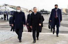 Шавкат Мирзиёев на вертолете отправился в Алатский район