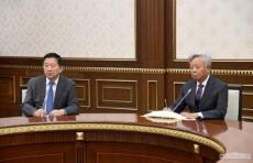 Шавкат Мирзиёев принял делегацию Азиатского банка инфраструктурных инвестиций